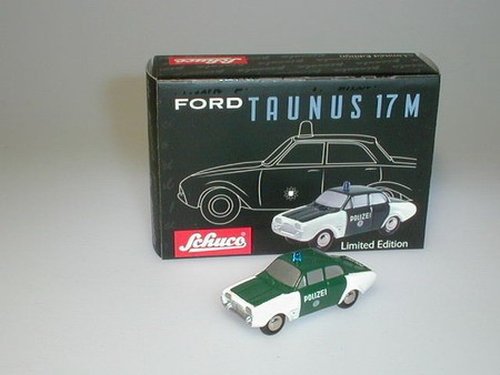 Ford 17M Polizei